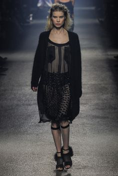 Sonia Rykiel Fall 2013 Ready-to-Wear Fashion Show - Esther Heesch (Next)