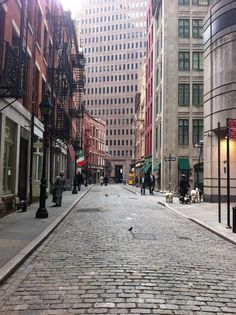 Stone Street, in the Financial District, is the oldest paved street in Manhattan. [Photo: Adam Kuban/NYC & Company]