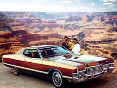 1972 Mercury Marquis Brougham Hardtop ✨ 1972 brought minor changes such as egg-crate grilles, revised taillamps and seatbelt warning buzzers. Mercury Marquis, Edsel Ford, Mercury Cars, Grand Marquis, Ford Lincoln Mercury, American Classic Cars, Futuristic Cars, Car Advertising, Us Cars
