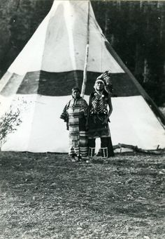 Blackfeet (Pikuni) couple - 1913