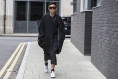 Declan Chan / London   Julien Boudet   http://bleumode.com   #declanchan #lfw #ss16 #allblack #bleumode