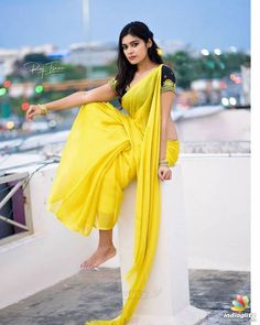 Beautiful Girl Photo, Beautiful Girl Indian, Beautiful Saree, Beautiful Models, Beautiful Women, Beautiful Hands, Indian Photoshoot, Saree Photoshoot, Most Beautiful Bollywood Actress