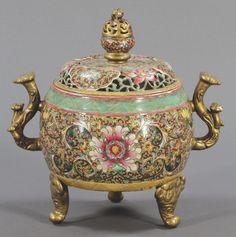 China, Qing-Dynastie um 1900. Porzellan