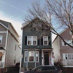See the New England houses! #boston #travelblogger #traveltips #city