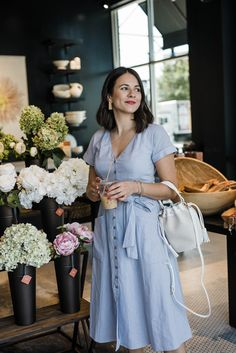jessica camerata standing in flower shop wearing Gal Meets Glam Collection Nordstrom Half Yearly Sale, Classy Women, Classy Lady, Wedding Guest Style, Church Fashion, Warm Weather Outfits, Button Front Dress, Gal Meets Glam, Linen Dresses