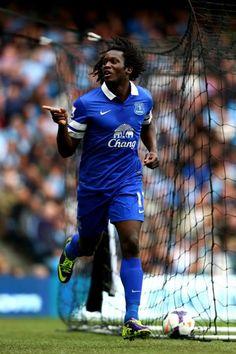~ Romelu Lukaku of Everton FC after scoring against Manchester City God Of Football, Football Icon, World Football, Football Jerseys, Football Players, Manchester City, Manchester United, Luke Shaw