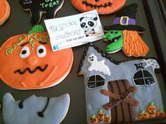 #closeup Para ver el proceso de como realize estas galletitas sencillas de #halloween busca mi canal de #youtube #mycookiecreations aqui les dejo el link exacto del video. Espero les guste ☺ https://youtu.be/Q8EialhzkH8 #cookies #cookieart #cookielicious #sugarcookies #royalicingcookies #decoratedcookies #galletasdecoradas