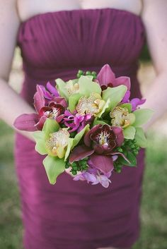 Real Weddings: Sarah and Steven's Small Wedding on Sanibel Island - Bridesmaid Bouquet