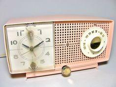 Pink Vintage 1950s GE Clock Radio Model by WellWudJaLookAtThat, $44.99