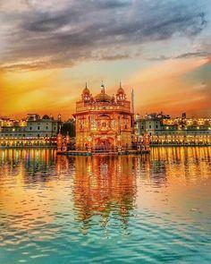 Golden Temple Wallpaper, Punjab Culture, Guru Nanak Wallpaper, Ek Onkar, Guru Nanak Ji, Wine Wallpaper, Harmandir Sahib, Guru Pics, Golden Temple Amritsar