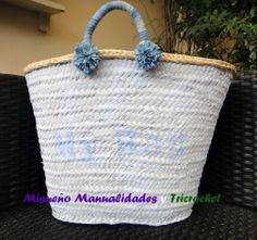 """Capazo de mimbre, pintado con chalk paint azul claro y texto """"My Bag"""". Tiene las asas decoradas con cinta azul tejano y dos pompones del mismo material en cada asa. www.misuenyo.com / www.misuenyo.es FACEBOOK: Tricrochet"""