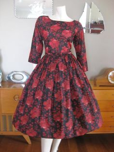 Round She Goes - Market Place - Vintage 50s/60s red fruit and floral dress