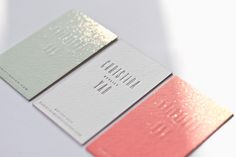 beautiful business cards-gold foiling and edging: Belinda Love Lee for Prop Stylist Christina Yan/ FARBTÖNE