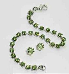 Swarovski Crystal Peridot tennis bracelet and earring set #Augustbirthstone www.silvermoonbay.net
