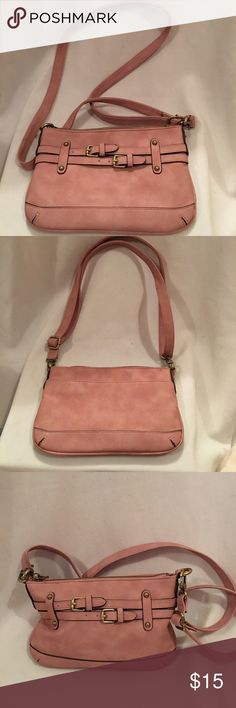 "🆕Nice new without tags small merona bag New without tags great pinkish brownish Merona bag with one outside pocket and 1 inside pocket. 12"" strap drop can be adjusted to be smaller 9 1/2 "" across 6 1/2 "" height 1 1/2 "" depth. Merona Bags Shoulder Bags"