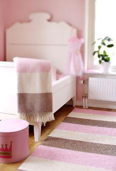 Kunststof karpet kinderkamer meisje  www.van-zeben.nl