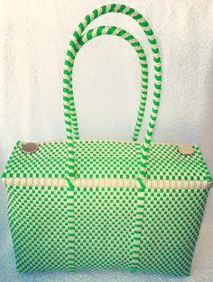 Bolsa artesanal mediana verde y beige Mexican #handwoven bag