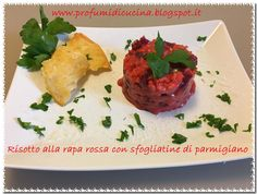 Risotto alla rapa rossa con sfogliatine di parmigiano da Profumi di cucina su Akkiapparicette