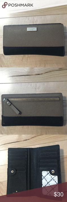 Kate Spade Wallet It is very gently used wallet. Some scratch on the metal logo, but other than that, there is no scratch on the leather. kate spade Bags Wallets