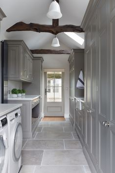 The classic contemporary kitchen project, Sevenoaks, Kent utility room cabinetry… - luxury kitchen Mudroom Laundry Room, Laundry Room Design, Countertop Concrete, Marble Countertops, Boot Room Utility, Ikea Utility Room, Utility Room Designs, Utility Room Ideas, Best Kitchen Design