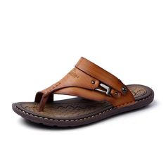 High-quality Men Clip Toe Slippers Comfortable Flat Slip On Casual Beach Sandals - NewChic Mobile Mens Slip On Sandals, Toe Loop Sandals, Boho Sandals, Leather Slip On Shoes, Leather Men, Beach Sandals, Sandals Outfit, Beach Shoes, Leather Sandals