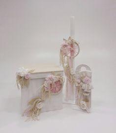 βαπτιστικό κουτί φορετό με ονειροπαγίδα.λαμπάδα και λαδοσέτ με το ίδιο θέμα