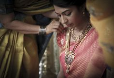 Candid Wedding Photography. Keerthi and Aravind.   Like us at http://fb.com/zerogravitystudios for more.  Website: http://zgstudios.com