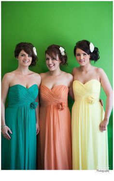 Bridesmaids – different perspectives. » Photographer Leicestershire