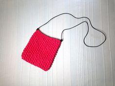 Cómo tejer con telar un bolso de trapillo para el verano (Tutorial DIY)