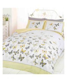 This Pretty Erfly Single Duvet Cover Set Features A Collection Of Erflies In Diffe Tones