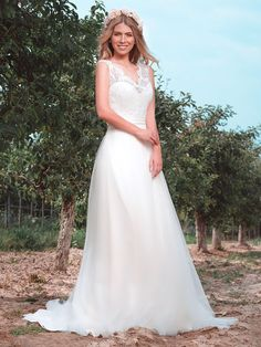 Wedding Dresses, Tops, Fashion, Dress Wedding, Curve Dresses, Bride Dresses, Moda, Bridal Wedding Dresses, Fashion Styles