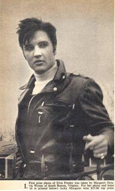 Bildergebnis für Most Rare Candid Elvis 1973 Rare Elvis Photos, Elvis Presley Photos, Rare Photos, Rare Pictures, Elvis Y Priscilla, Lisa Marie Presley, Rock And Roll, Are You Lonesome Tonight, Young Elvis