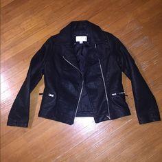 Jackets & Coats - 🍂Black Faux Leather Jacket🍂