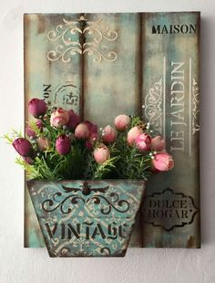Diy Tutorial and Ideas Arte Pallet, Pallet Art, Decoupage Box, Decoupage Vintage, Wood Crafts, Diy And Crafts, Inspiration Artistique, Garden Shelves, Country Crafts