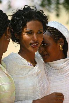 quietbystander:  unseenafrica:  Habesha women - East Africa.  gorgeous