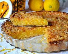 Готовим самый лимонный пирог Пирог для любителей лимонной выпечки... Я бы сказала, для любителей НАСТОЯЩЕЙ лимонной выпечки! ;)) Так как этот пирог ОЧЕНЬ лимонный (ведь при его приготовлении мы используем неочищенные лимоны, ну, и один апельсин)! Он также необыкновенно ароматный, с большим количеством начинки и небольшим количеством теста! Из всех вариантов опробованной лимонной выпечки, это ЛИМОННИК стал моим любимым... ВАЖНО иметь в виду, что лимоны должны быть вкусными и хорошего каче...