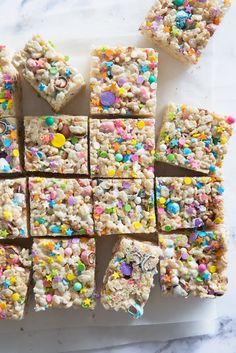 Easter Rice Krispie Treats via Real Food by Dad recipes dessert recipes dessert brunch recipes dessert cake recipes dessert easy recipes dessert kids recipes dessert video Easter Snacks, Easter Candy, Easter Food, Easter Recipes, Easter Stuff, Easter Baking Ideas, Easy Easter Desserts, Valentine Desserts, Kid Recipes
