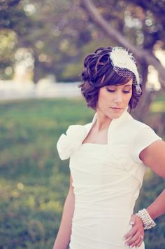 Short wedding hair...really want to cut it off and this is so cute!