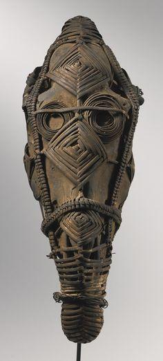 Nigeria ~ Igbo - Reliquary Horse Skull wrapped in reed African Sculptures, Sculptures Céramiques, Art Sculpture, Statues, Ghana, Koi, Horse Skull, Post Mortem, Afrique Art