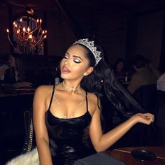 """""""I love my birth queen hairstyle! with this pretty look! Karla Jara, Prince Charmant, Chica Cool, Ariana Grande Fotos, Bad And Boujee, Bad Girl Aesthetic, Aesthetic Style, Aesthetic Makeup, Sporty Chic"""