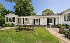 Celebrity Real Estate: Zooey Deschanel Lists House in Hollywood Hills   hookedonhouses.net