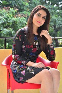 Rashi Khanna Photos of South Indian Actress Rashi Khanna. Beautiful Girl Indian, Most Beautiful Indian Actress, Beautiful Girl Image, Gorgeous Women, South Indian Actress Photo, Indian Actress Photos, Indian Actresses, South Actress, Beautiful Bollywood Actress