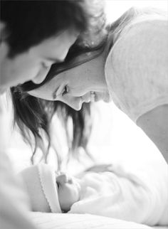 new babies, lifestyle newborn, new baby photos, black white photography, famili