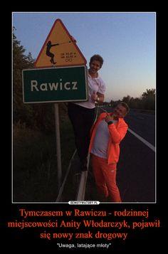 """Tymczasem w Rawiczu - rodzinnej miejscowości Anity Włodarczyk, pojawił się nowy znak drogowy – """"Uwaga, latające młoty"""" Psych, Best Memes, Life Lessons, Poland, Haha, Sisters, Humor, Funny, Anime"""