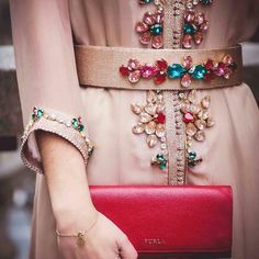 "2,510 Likes, 17 Comments - Maghreb & Oriental Luxury (@maghreb.oriental) on Instagram: ""@femellecaftan #caftan #mariage #beauty #mariagemarocain #kaftan #moroccanwedding #takshita…"""