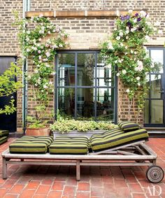 Bette Midler's lush Manhattan penthouse and garden.