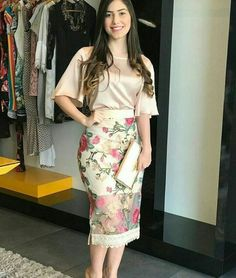 Skirt Outfits, Chic Outfits, Modest Fashion, Fashion Dresses, Western Dresses For Women, Meeting Outfit, Kurti Designs Party Wear, Outfit Trends, Colourful Outfits