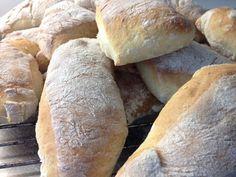Väldigt goda att rosta eller ha i mircon. Bagan, Breakfast Basket, Good Food, Yummy Food, Piece Of Bread, Swedish Recipes, Bread Baking, Hot Dog Buns, Bread Recipes