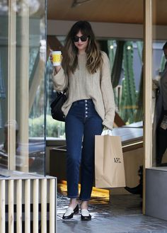 March 01st, 2018 | Dakota doing some shopping with a friend and her dog Zeppelin in Los Angeles, California. #dakotajohnson