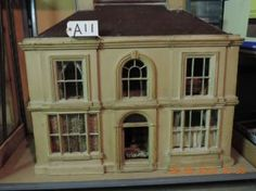 COLONIAL ELECTRIC DOLL HOUSE, nice style and design. .....Rick Maccione-Dollhouse Builder www.dollhousemansions.com